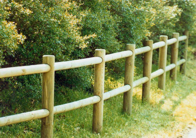 clôture club en bois